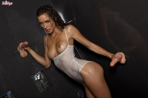 Malena Morgan - I Don t Sing In The Shower