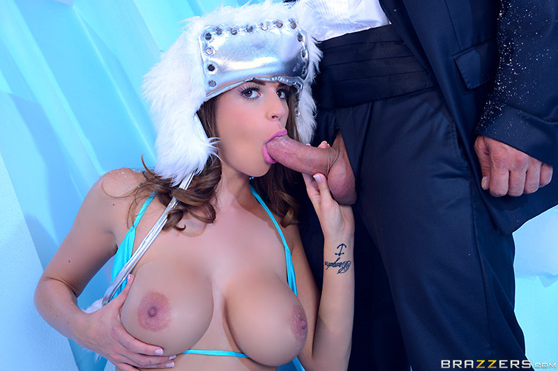 Brooklyn Chase - Brooklyn's Big Icy Tits