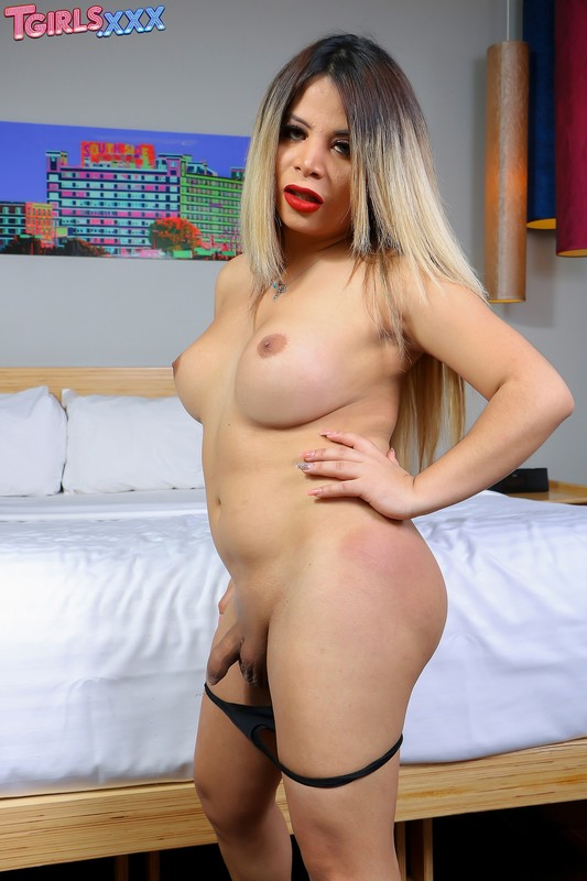 Sexy Nurya Cums For You! (29 March 2018)