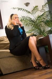 Abbey-Brooks-Be-My-Sexy-Secretary--b6so0fmfsm.jpg