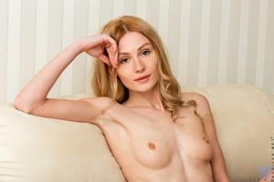Gerda-Y-Perky-Tits--26ss352vdk.jpg