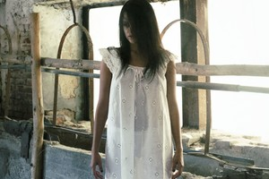 Mila-Mendes-Presenting-Mila-Mendes--c6stnga24w.jpg